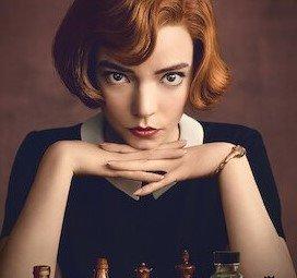 Imagen de la serie Gambito de dama de Netflix, con la actriz principal Anya-Taylor Joy.